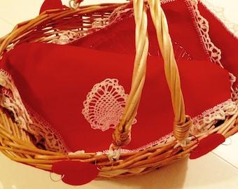 Wedding Gift or Picnic Set - Vintage Tablecloth & Matching Napkins - Picnic Basket - Set of 2 Picnic Plates - Item #P0037