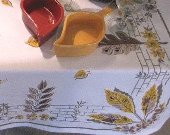 "Vintage Tablecloth - Buffet Cloth - 72"" x 43"" - Gold Leaf Print - T0100"