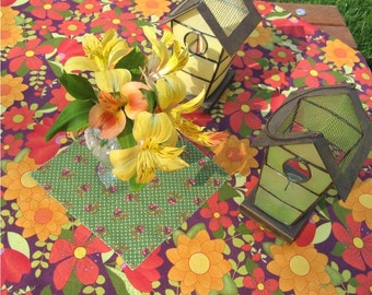 """Picnic Cloth, Buffet Accent Tablecloth, Table Throw, Reversible - Crate & Barrel """"Table in a Bag"""" - 100% Cotton- (Item #T0039)"""