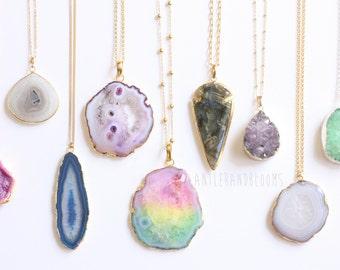 Gem gemstone stone semi precious color colourful purple blue pink Quartz amethyst citrine chalcedony rose aqua aura labradorite moonstone