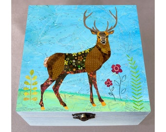 Circular Dark Green Stag Deer Head Pendant Oval Trinket Jewelry Box