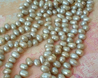 Freshwater Pearl Drops - Champagne    No 12502CH