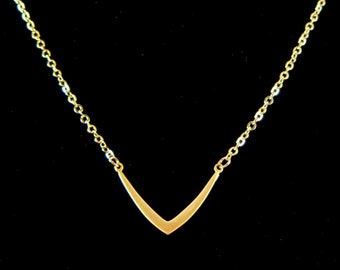 V Shaped Matte Gold Chain Necklace - Perfect to layer! Single Chevron Pendant
