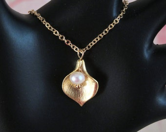 Calla Lily Flower Pendant Gold Chain Necklace with Freshwater Pearl