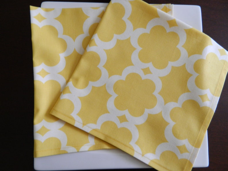 Great Mother/'s Day Gift Spring and Summer Napkins Designer Fabric Bridal Shower Gift. Set of 4 Yellow and White Cotton Napkins
