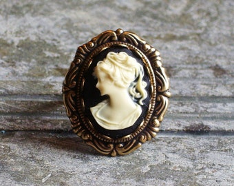 Black cameo ring, antique brass ring, Jane Austen jewelry, cameo jewelry, holiday gift ideas, gift ideas for mom, unique Christmas gift