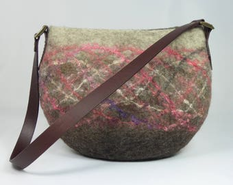 Felt Shoulder Bag, Felt Handbag, Felt Bag, Felt Bags for Women, Felted Purse, Felt Bags, Felted Bags, Wool Bags, Brown Felted Shoulder Bag