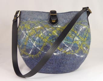 Felt Shoulder Bag, Felt Handbag, Felt Bag, Felt Bags for Women, Felted Purse, Felt Bags, Felted Bags, Wool Bags, Grey Felted Shoulder Bag