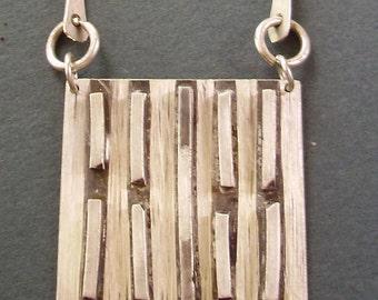broken line pendant