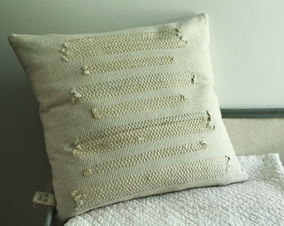 salvus - handwoven cushion in cotton and silk