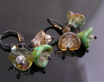 Czech Glass Flower Earrings, Czech Flower Earrings, Cluster Earrings, Wire Wrapped Earrings, Flower Jewelry, Boho Earrings, E1433