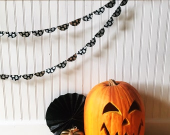 Halloween garland, Halloween bunting, paper garland, paper bunting garland, skull banner, Halloween skull, skull decoration, spider web