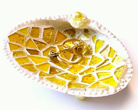 Mosaic Shell Ring Dish, Real Shell Ring Keeper, Beach Theme Ring Bearer Pillow,Yellow Mosaic Seashell Ring Catcher, Gold Mosaic Shell Holder