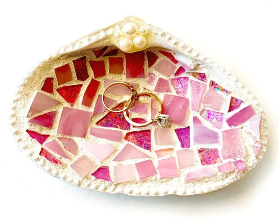 Mosaic Shell Ring Dish, Real Shell Ring Keeper, Beach Theme Ring Bearer Pillow, Pink Mosaic Seashell Ring Catcher, Pink Mosaic Shell Holder