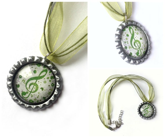 Musical Organza Ribbon Necklace, Bottle Cap Music Clef Necklace with Organza Ribbon, Green Organza Ribbon Musical Note Clef Necklace