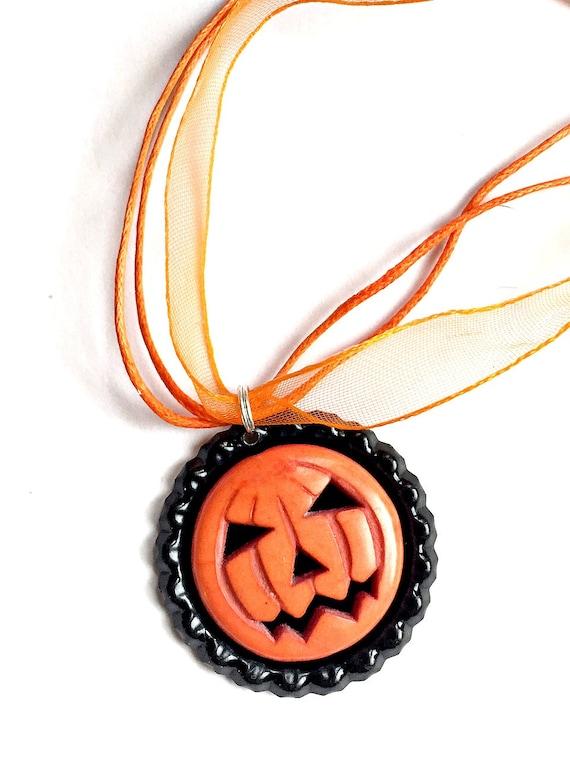 Jack O Lantern Choker Necklace,  Pumpkin Choker Necklace Pendant, Halloween Organza Ribbon Bottle Cap Pendant, Orange Pumpkin Pendant