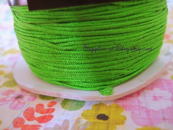 1 x Bright Green Silky Nylon 25m x 1mm Kumihimo Macrame Rattail Skein HA03925