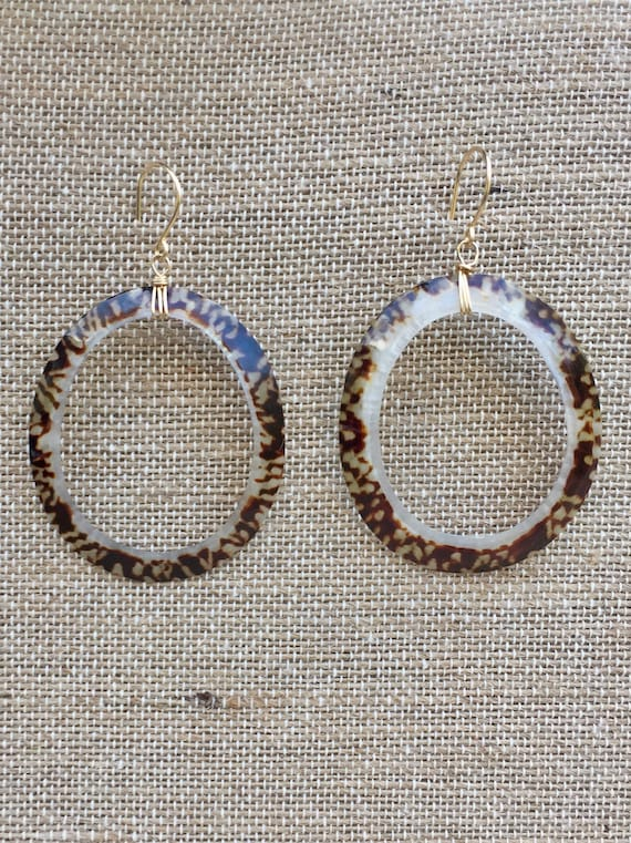 Limpet shell hopp earrings
