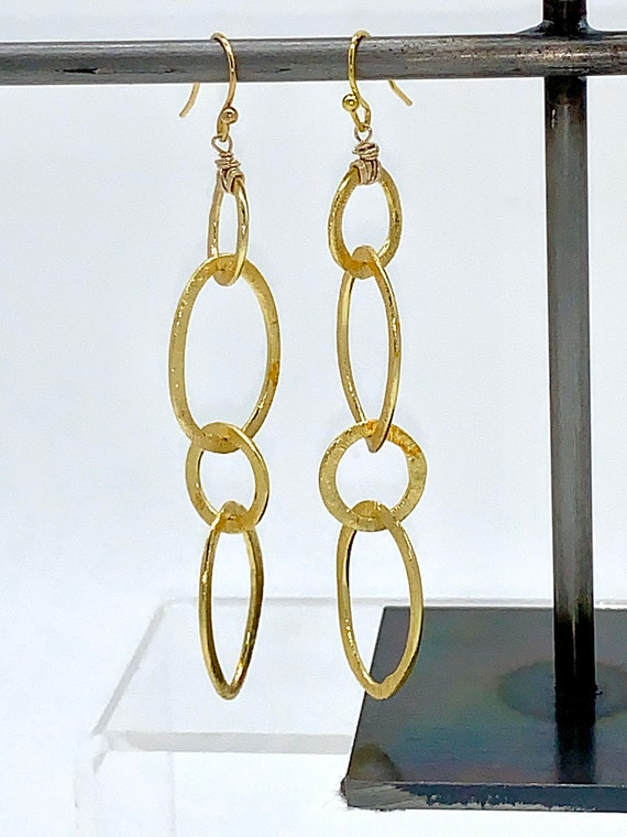 Gold brushed chain dangle earrings