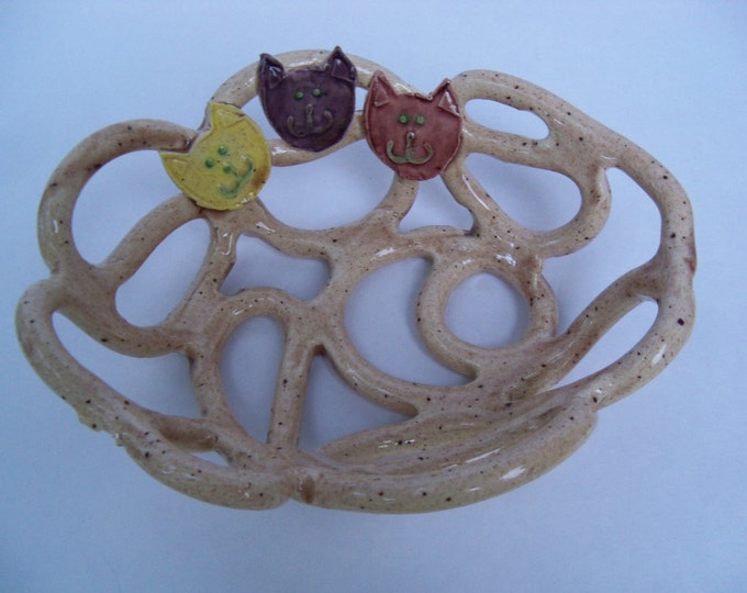 Beige pottery bowl with cats -whimsical home decor-fruit bowl-bread warmer-soap dish-cat lover gift