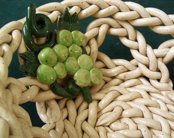 Braided Bowl With Holes with grapevine clusters fruit bowl bread warmer home decor
