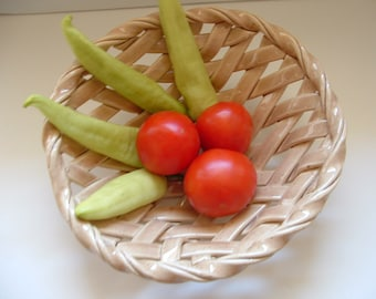 Classic Woven Basket ceramic bread warmer aerated fruit bowl centerpiece home decor