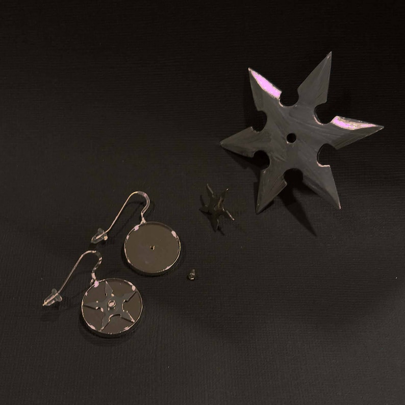 Removeable Working Ninja Throwing Stars Earrings image 0