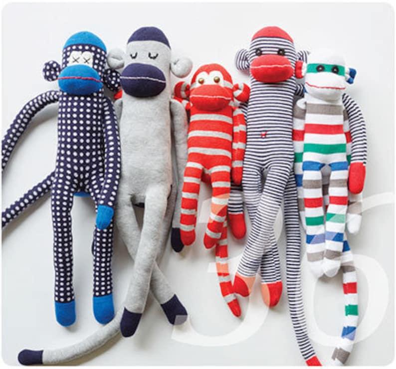 Sockenaffen nähen. Eine Nähanleitung um aus Socken Affen zu image 0