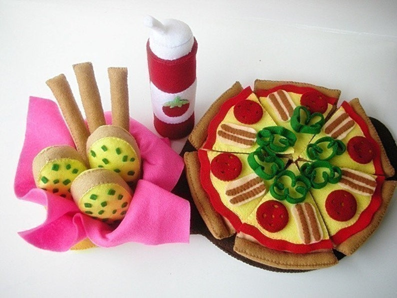 Happy Pizza  PDF Felt Food Sewing Pattern image 0