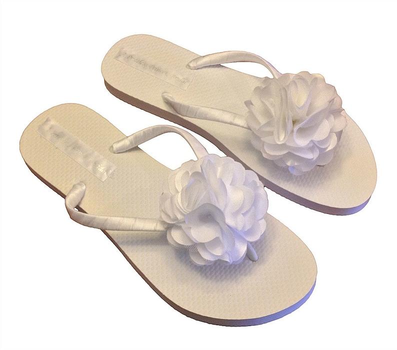 a89f9629fe8af Flower Girl Flip Flops - Wedding Flip Flops - Bridal Party Flip Flops -  Beach Sandals - Bride Flip Flops - 30 Flower Colors