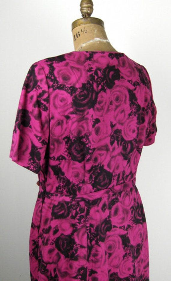 1950s Plus Size Dress w Rose Print and Rhinestone… - image 3