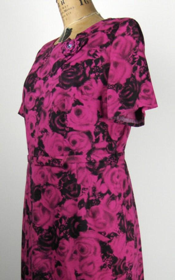 1950s Plus Size Dress w Rose Print and Rhinestone… - image 2