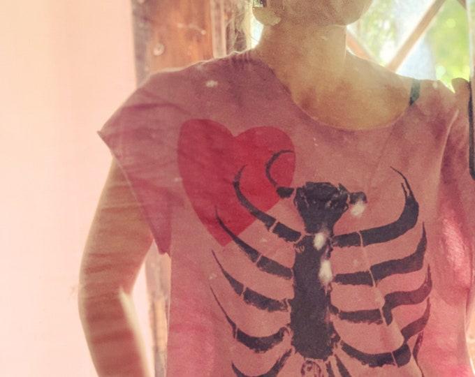 Organic Cotton T-shirt Be Still My Heart | Hand Printed Shirt | Ribcage Screen Print Tshirt | Hand Cut T-shirts | Heart Prints Shirts