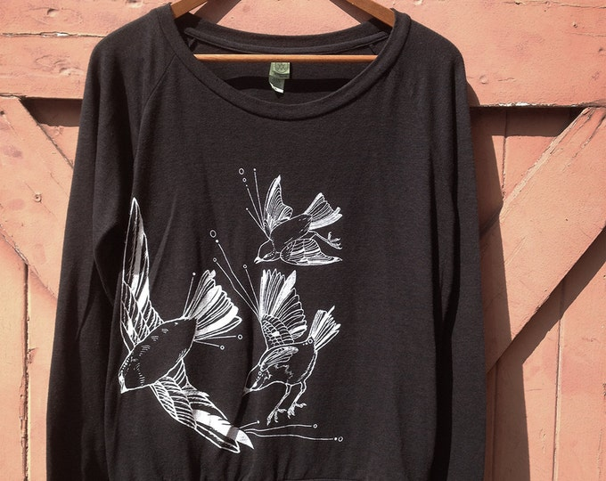 Fly Away Sparrows Long Sleeve Pullover in Organic Cotton Blend