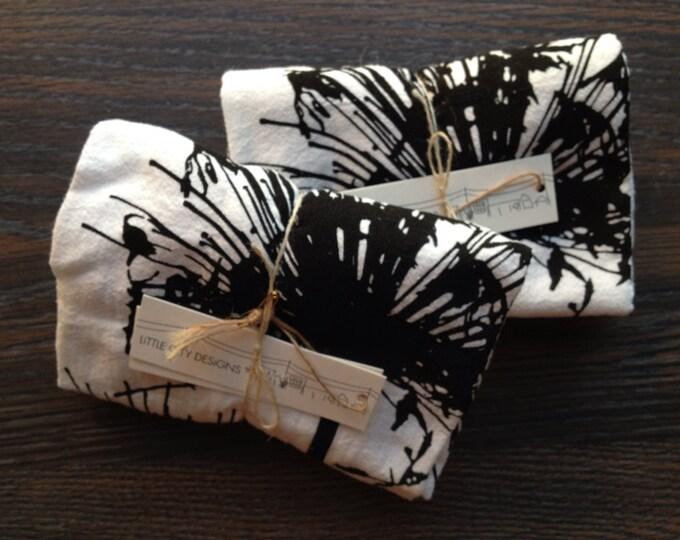 Agapanthus Flour Sack Napkins - Set of 2, Black on Bright White