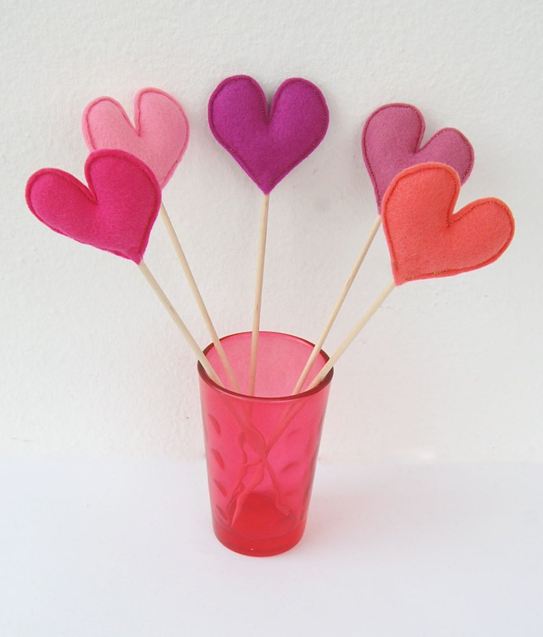 Bunch of Pink Felt Hearts Set of 5 Plush Handmade Felt Love  fe2767ffc