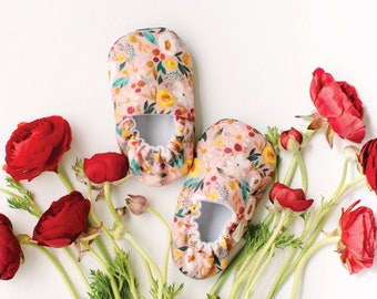 Blossoms Baby Moccs / Baby Shoes / Baby Moccasins / Childrens Indoor Shoes / Soft Soled Shoes / Vegan Moccs / Vegan Moccasins