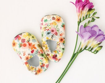 Wildflowers Baby Moccs / Baby Shoes / Baby Moccasins / Childrens Indoor Shoes / Soft Soled Shoes / Vegan Moccs / Vegan Moccasins