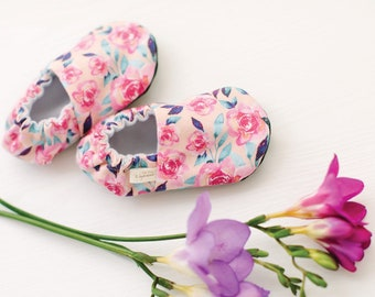 Alice Baby Moccs / Baby Shoes / Baby Moccasins / Childrens Indoor Shoes / Soft Soled Shoes / Vegan Moccs / Vegan Moccasins