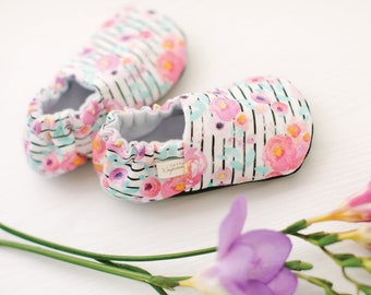 Neon Blooms Baby Shoes / Baby Moccasins / Childrens Indoor Shoes / Baby Moccs / Vegan Moccs / Vegan Baby Shoes / Soft Soled Baby Shoes