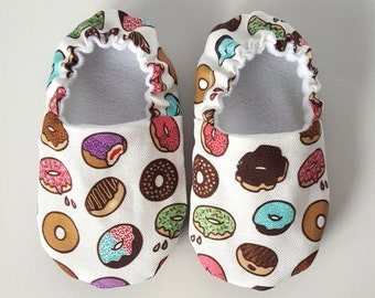 Donut Baby Shoes / Baby Moccasins / Childrens Indoor Shoes / Baby Moccs / Vegan Moccs / Vegan Baby Shoes / Soft Soled Baby Shoes / Waldorf
