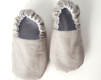 Ash Gray Baby Shoes / Baby Moccasins / Childrens Indoor Shoes / Baby Moccs / Vegan Moccs / Montessori / Waldorf / Soft Soled Baby Shoes