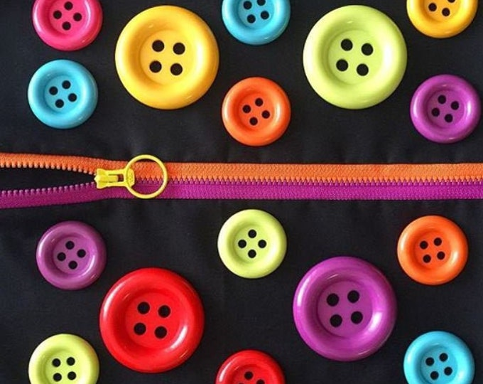 """Buttons multi colors Lecien Jumbo 2-2/5"""" OR 1-2/3"""", 7 round buttons"""
