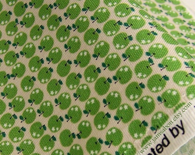 Oxford cotton fabric - Tiny Green Apples K601B - 1/2 yard