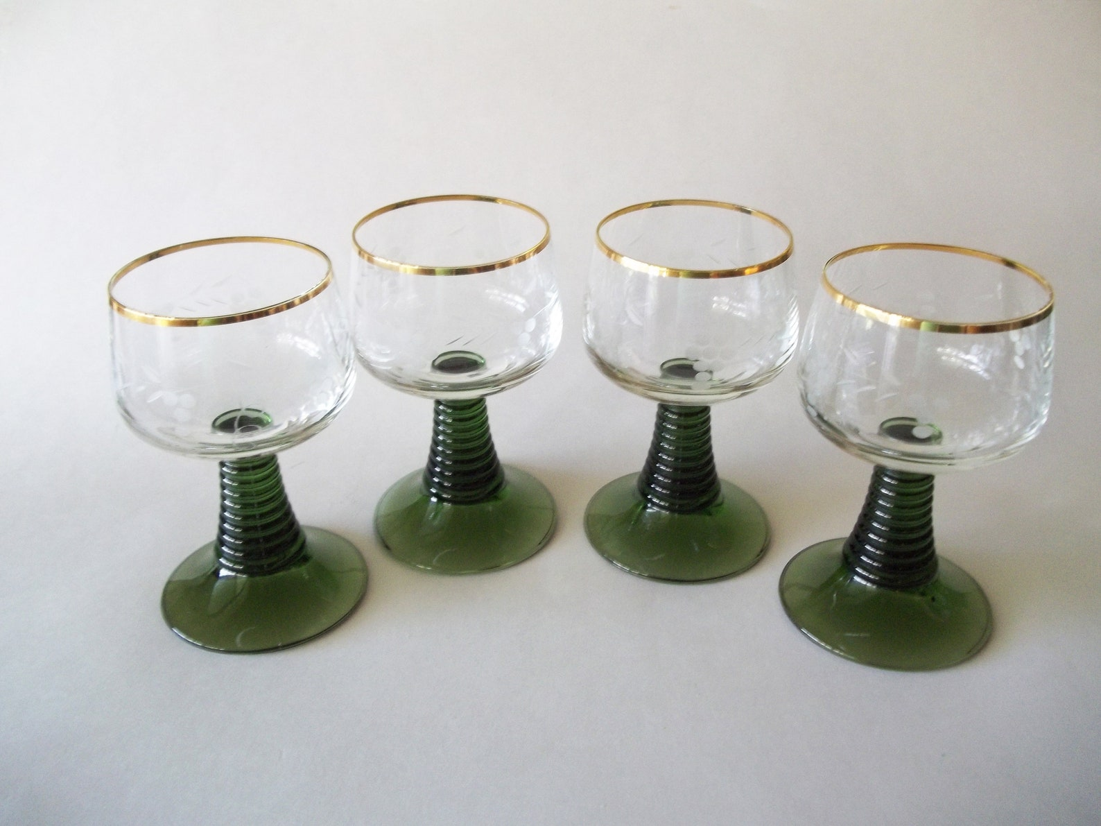 Crystal Roemer Water / Wine Glasses, Green Beehive Stem, Clear Etched Grapes & Gold Trim Bowl, Vintage Glassware, Set of 4