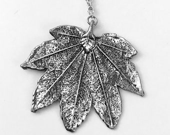 Humulus Leaf Necklace in Silver