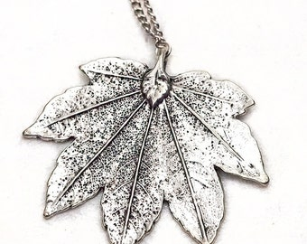 Silver Colored Humulus Leaf Necklace