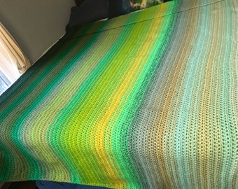 Green Large Knit King Size Throw Blanket Ombre Gradient Knit Crochet Christmas Gift for the Sofa Her Him Home Decor
