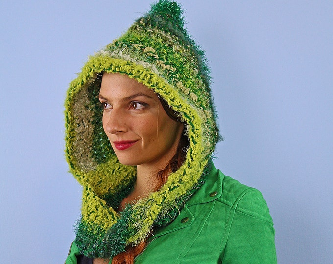 Green Hooded Scarf Mobius Skood Cowl Handmade Christmas Gift Ready to ship
