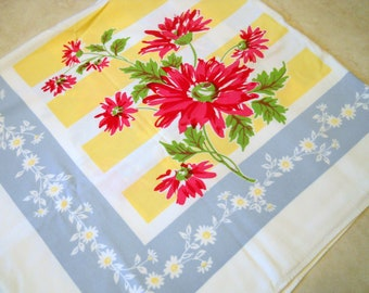 Vintage Tablecloth Pink Raspberry Daisies~ Square Tablecloth~ Heavy Linen Tablecloths~ Mid Century  Retro Kitchen